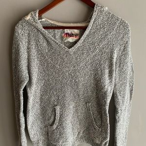 Pull over knit hoodie